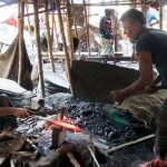 ঈদুল আযহা সমাগত :: টাঙ্গাইলে টুং-টাং শব্দে মুখর কামারশালা